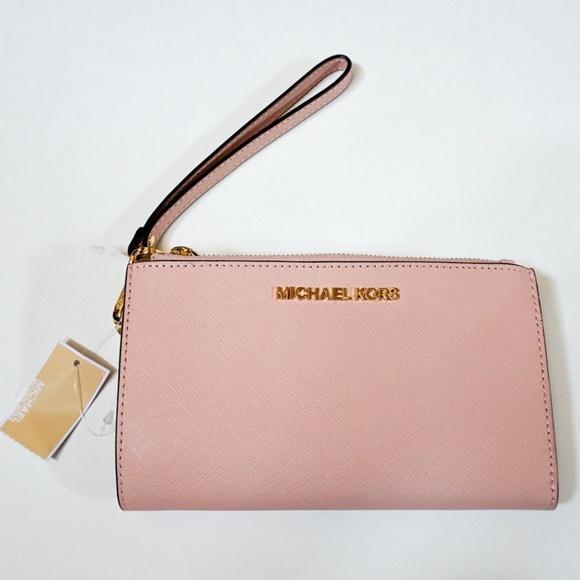 441a342ed28c Michael Kors Jet Set Travel Leather Wristlet Pink